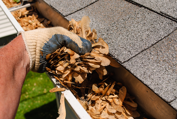 Safety Precautions on Gutter Cleaning